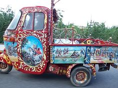"""Beautiful evolution of the traditional Sicilian Cart, this is what we call """"lapa"""". #sicily"""