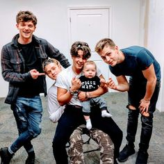 Find images and videos about the vamps, james and Connor on We Heart It - the app to get lost in what you love. Bradley Simpson, Bradley The Vamps, Declan Mckenna, Will Simpson, New Hope Club, Pop Rock, 1d And 5sos, Celebs, Celebrities