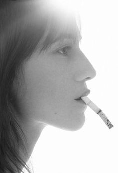 french actress ラ iconic singer also Charlotte Gainsbourg (collection portrait cigarette smokin cinema kino) Charlotte Gainsbourg, Serge Gainsbourg, Gainsbourg Birkin, Jane Birkin, Women Smoking, Girl Smoking, French Icons, Coffee And Cigarettes, Lou Doillon