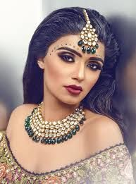 Aaleyah - Our 4 strand high end uncut kundan set with semi precious jade beads. Beautiful jewellery for any occasion. Customise set to to colours you require. Contact Deeya Jewellery by calling, Whatsapp or viber to purchase or enquire on Tikka Jewelry, Jewellery Uk, Indian Jewelry, Pakistani Bridal, Indian Bridal, Bollywood Makeup, Kundan Set, Asian Bride, Indian Wedding Outfits