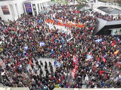 Excellent texte de Marie Claude Lortie de La Presse sur le Jour de la terre et les manifestations étudiantes.  http://www.cyberpresse.ca/debats/chroniques/marie-claude-lortie/201204/23/01-4517864-au-dela-des-differences-et-de-lindifference.php