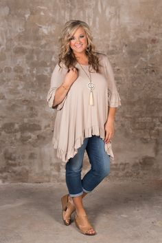 Curvy the adley basic tunic - taupe my style in 2019 мода, стиль, одежда Clothes For Women Over 40, Plus Size Fashion For Women, Fashion Tips For Women, Mom Outfits, Cute Outfits, Fashion Outfits, Fashion Trends, Fall Outfits, Plus Size Fall Outfit