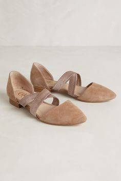Unique tan and dusty rose flats with pointy toe and criss cross straps. Anthropologie Bravura nude flats by Candela