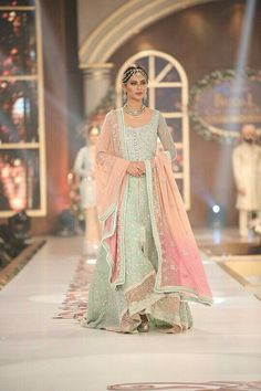 New Pakistani Wedding Dress Sisters Walima 35 Ideas Pakistani Wedding Dresses, Indian Wedding Outfits, Pakistani Outfits, Bridal Outfits, Indian Dresses, Indian Outfits, Pakistani Clothing, Wedding Hijab, Desi Wedding