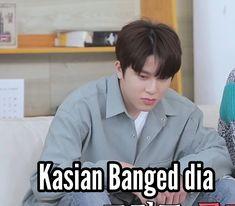 Boy Meme, Funny Kpop Memes, Good Jokes, Fangirl, Random Meme, Stickers, Humor, Manhwa, Korea