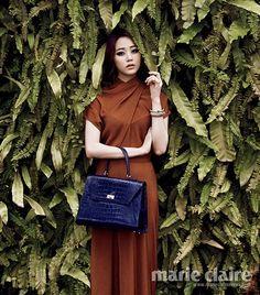 Beautiful hyojin in orange dress i love it with blue handbag pretty sexy hyojin i love u so much <3