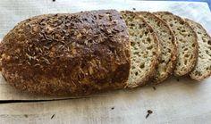 Domácí večerní chlebík Halloumi, Low Carb, Gluten Free, Bread, Food, Per Diem, Low Carb Recipes, Glutenfree, Meal