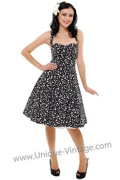 Love 50's dresses and clothes!