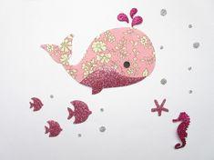 Appliqué thermocollant baleine en tissu liberty Capel rose et tissu pailleté.