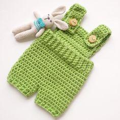 Little green baby romper. #crochetbaby #crochetromper #babyromper #babyfashion #newbornromper