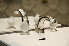 Fleur de Lotus collection, nickel finish and frosted crystal handwheels. #serdaneli #luxurybathrooms