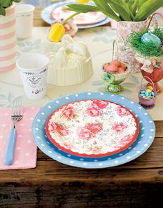 Paper plates and napkins in polka dots and florals brighten the brunch table and minimize cleanup.