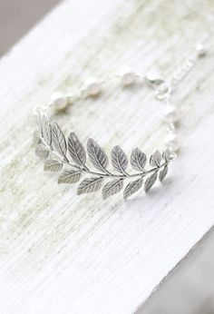 Leaf Bracelet with Swarovski Pearls