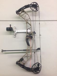 Hoyt Hyperforce Archery Shop, Archery Tips, Slingbow Fishing, Bow Accessories, Bow Arrows, Bow Hunting, Crossbow, Weapons, Compound Bows