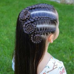 In love with this Dutch braid swirl style by ❤️? In love with this Dutch braid swirl style by ❤️? Girl Haircuts, Little Girl Hairstyles, Trendy Hairstyles, Braided Hairstyles, Teenage Hairstyles, Princess Hairstyles, Childrens Hairstyles, Curly Hair Styles, Natural Hair Styles