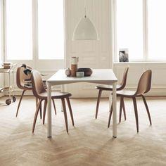 GUBI Esstisch Y Table Weiss