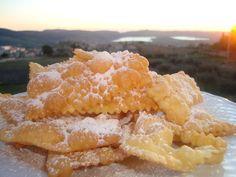 Dolci fritti tipici del carnevale Chiacchiere, bugie, crostoli