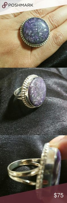 TURKISH HANDMADE 925 SILVER & PURPURITE TOPAZ - 8 NEW ONE-OF-A-KIND TURKISH HANDMADE GORGEOUS BEZEL SET PURPURITE TOPAZ SET IN 925 STERLING SILVER.   SPLIT DOUBLE BAND THIS RING IS CHUNKY & HAS SUBSTANTIAL WEIGHT.  THE PURPURITE TOPAZ STONE CONTAINS SPARKLY FLECKS WITHIN THE SURFACE THROUGHOUT THE STONE.  THIS PURPURITE MEASURES APPROXIMATELY 1 INCH IN DIAMETER WITHIN THE BEZEL SETTING, A REAL BEAUTY & IS IN A SIZE 8 :) TURKISH HANDMADE Jewelry Rings