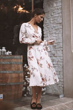Official online shop for Andra Andreescu designs. Discover the collections: dresses, skirts, tops, pants and outwear. Style Inspiration, Silk, Summer Dresses, Skirts, Fabric, Shopping, Collection, Tops, Design