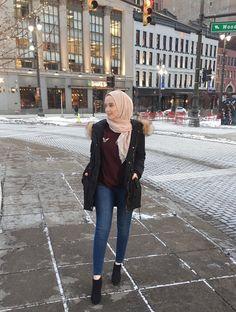 Ideas fashion hijab casual awesome for 2019 Modest Outfits, Modest Fashion, Fashion Outfits, Casual Hijab Outfit, Hijab Chic, Girl Hijab, Hijab Bride, Wedding Hijab, Wedding Dresses