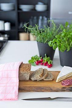 Details from Bonytt Photo: Niklas Hart Kitchen Interior, Bespoke, Kitchens, Interior Design, Modern, Design Interiors, Home Interior Design, Kitchen, Interior Architecture