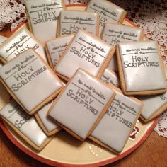 New World Translation of the Holy Scriptures Bible Cookies jw Jehovah Pioneer School Gifts, Pioneer Gifts, Caleb Y Sophia, Family Worship Night, Jw Humor, Jw Pioneer, Jw Gifts, Jehovah's Witnesses, Cookies