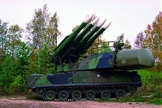 The Buk mi ile y tem i a family of elf-propelled, medium-range urface-to-air mi ile y tem developed by the Soviet Union and it ucce or tate, Military Armor, Military Love, Military Weapons, Military Female, Outdoor Activities For Adults, Military Motivation, Air Fighter, Military Pictures, Military Equipment