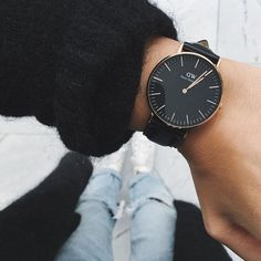 CLASSIC PETITE | 28MM SHEFFIELD | Get 15% off when you use the code MELANIEX to order on danielwellington.com | #ad
