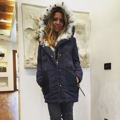 Isabella C.  Discount On-Line shop www.isabellac.com /  Facebook isabella C #parka #florencemode #isabellac #winter #winterstyle #winterfashion #style #styles #styleblogger #streetfashion #streetstyle #styleoftheday #styleblog #styleinspiration #d#furs #luxury #luxuryfashion #luxurylifestyle #onlineshop #onlineshop #madeinitaly #fox #kitzbühel #kitzbuhel