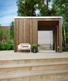 45 Smart and Creative Backyard Studio Shed Design Ideas - DecoRemodel Carport Modern, Modern Shed, Sauna Design, Shed Design, Design Design, Garden Design, Design Ideas, Interior Design, Backyard Studio