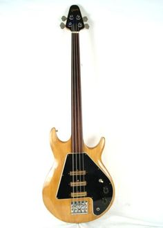 1976 Gibson Grabber III Rare Fretless Bass Guitar. I had one of these... Once upon a time! Mine had frets!