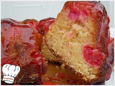 ΚΕΙΚ ΜΕ ΚΕΡΑΣΙΑ ΚΟΜΠΟΣΤΑΣ ΚΑΙ ΣΩΣ ΚΟΚΚΙΝΟΥ ΚΡΑΣΙΟΥ!!! | Νόστιμες Συνταγές της Γωγώς Fruit Pie, Vanilla Cake, Muffin, Food And Drink, Bundt Cakes, Breakfast, Desserts, Cupcake, Recipes