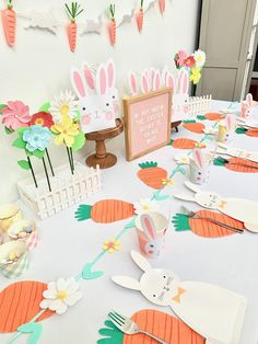 Perfect party set up for a bunny lover or Easter egg hunt! Bunny Party, Easter Party, Hoppy Easter, Easter Bunny, Egg Hunt, Animal Party, Party Themes, Easter Ideas, Perfect Party