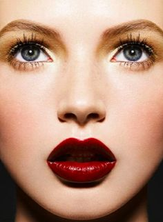 Bright eyes and dramatic lips enhance this holiday makeup look. Save when you shop @ULTA Beauty with coupons and Cash Back: http://www.shopathome.com/coupons/ulta.com?refer=1500128&src=SMPIN