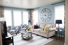 love this room.  love the colors and the accessories.