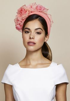 Spring Summer 2020 — Juliette Botterill Millinery - - Spring Summer 2020 — Juliette Botterill Millinery Source by rubinamillinery Black Fascinator, Fascinator Headband, Floral Headpiece, Fascinators, Headpieces, Ribbon Headbands, Floral Headbands, Leather Headbands, Race Day Hats