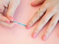 12 Surprising Uses for Bobby Pins