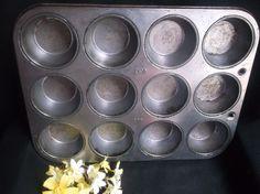 $4.99 EKCO Ovenex N-120-12 Muffin Cupcake Pan Vintage Bakeware