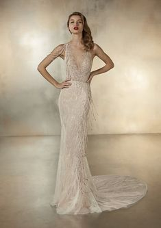 Dancing Lights: The new Pronovias 2020 collection we& been waiting for is here! - Pronovias Wedding Dresses The collection we were eagerly waiting for is here! Wedding Dress Trends, Lace Wedding Dress, Wedding Gowns, Wedding Blog, Wedding Ceremony, Pronovias Bridal, Pronovias Wedding Dresses, Golden Dress, The Bride