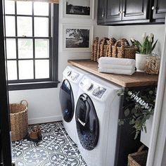With a laundry room like this you can wash your clothing in style! #SMPLoves | Photography & Design: @dearlillie