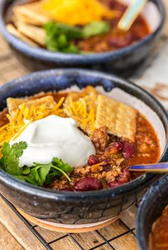 How to make the best easy chili recipe Easy Cheap Chili Recipe, Easy Chilli, Chili Recipes, Real Food Recipes, Soup Recipes, Cooking Recipes, Cooking Time, Dinner Recipes, Blueberry Bread Recipe