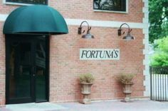 Fortuna's has been an absolute treasure in Niagara Falls New York for many, many years. Pop in for lunch and you will quickly see why. Niagara Falls Restaurants, Niagara Falls New York, Autumn In New York, Delicious Restaurant, Top Place, Places To Eat, Trip Advisor, Nova, Lunch