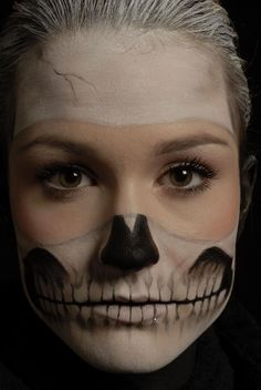This would look rad with some intense color eye make up.for Halloween! Skeleton Makeup, Skull Makeup, Skeleton Face, Halloween Make, Halloween Face Makeup, Facepaint Halloween, Halloween Ideas, Makeup Fx, Scary Makeup