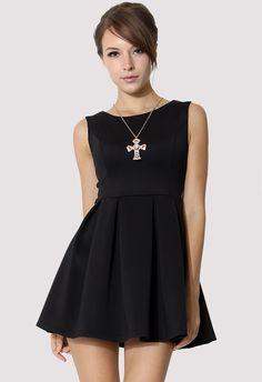 Black Sleeveless Pleated Skater Dress