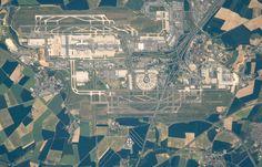 Airport-Sharl de Goll http://jamaero.com/airports/Airport-Sharl_de_Goll-Paris-France