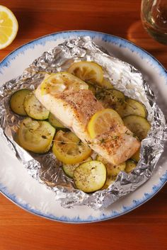 Butter Salmon Foil Packs - Make dinner classy without the cleanup. -Lemon Butter Salmon Foil Packs - Make dinner classy without the cleanup. - Bacon Meatloaf With Cheesy Garlic Mash ~ Recipe Salmon Dishes, Seafood Dishes, Seafood Recipes, Salmon Food, Chicken Recipes, Fish Dishes, Drink Recipes, Soup Recipes, Recipies