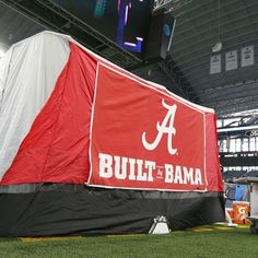 The story behind the tent on Alabama's football sideline. Alabama Football Team, College Football Coaches, Crimson Tide Football, University Of Alabama, Alabama Crimson Tide, Nfl Football Schedule, Bama Fever, Nick Saban, Thing 1