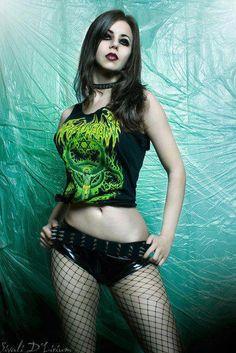 Pretty goth girl :)