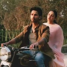 Love Songs Hindi, Love Songs For Him, Song Hindi, Best Love Songs, Love Song Quotes, Good Vibe Songs, Mood Songs, Love Songs Lyrics, Cute Love Songs