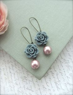 A Grey Rose Flower, Swarovski Powder Pink Swarovski Pearl Drop Earring. Bridesmaid Earrings. Grey Pink Wedding. Cottage Nature. Shabby Chic.